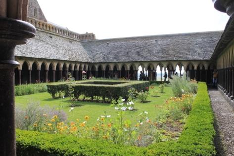 One of the castle's inner gardens.