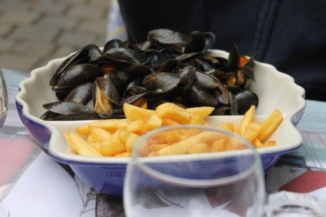 I happily slurped my way through them while my friend ate his way through a pile of mussels and pommes frites. French fries are definitely classier when they're actually French, right?