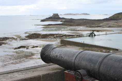 Those walls around Saint-Malo weren't just built for show, and this old cannon was proof of it.