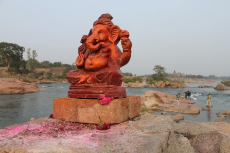 A statue of Ganesh by the Betwa River