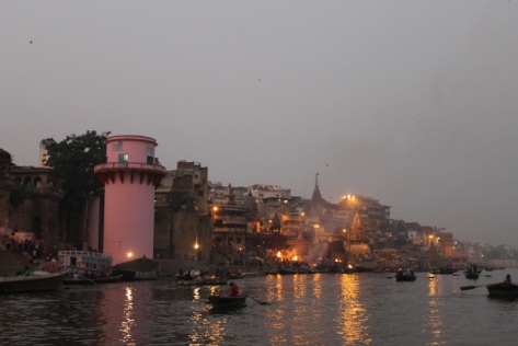 That pink tower is the unofficial landmark that separates the area around Manikarnika Ghat.