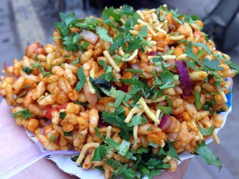 Bhelpuri...even without the sweet crunch of pomegranate, it's still heavenly.