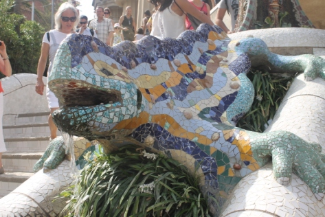"""El Drac"" (""The Dragon""), which welcomes visitors to Parc Güell."