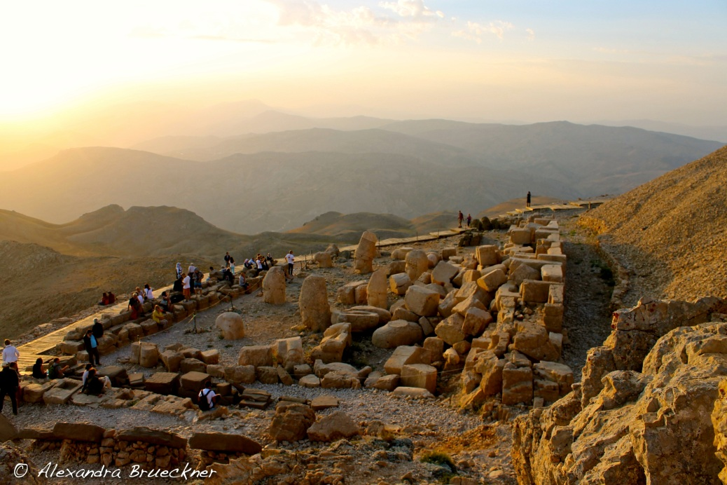 Waiting for the sun to set on Mount Nemrut.